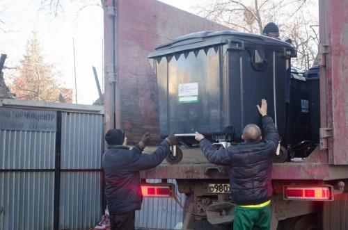 Куда девать отходы? В Челябинске пропадают мусорные контейнеры