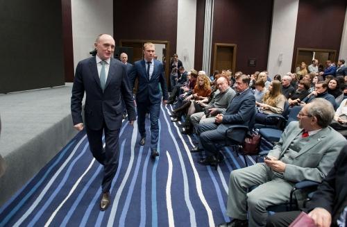 Столица ржавых «ПАЗиков». Дискуссия о Челябинске вызвала жаркие споры и даже ссоры