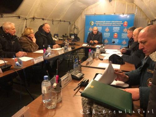 Под завалами могут быть еще живые люди. На месте аварии в Магнитогорске побывал Владимир Путин