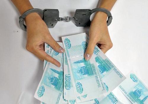 Прокутила за полгода. Жительница Челябинска безбедно жила на украденные деньги