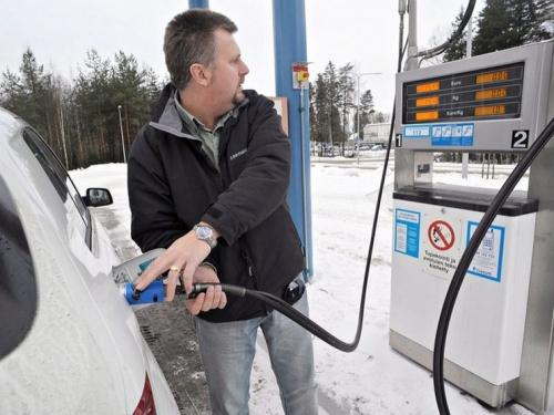 То пусто, то густо. В Челябинске цены на бензин меняются ежедневно