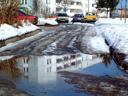 К паводку нужно быть готовым. В Челябинске проводятся работы по очистке сточных и ливневых канализаций, вывозу снежной массы
