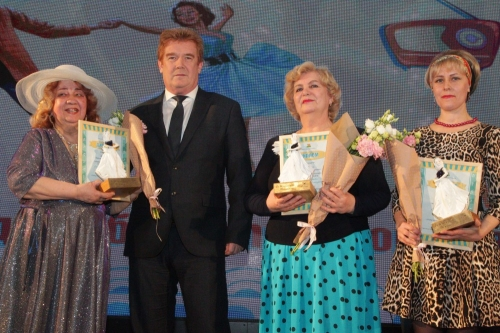 Хранительницы и мастерицы. В Челябинске поздравления принимали представительницы прекрасной половины человечества