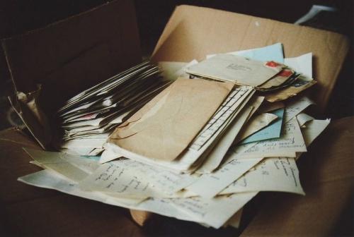 «С толстой сумкой на ремне». Челябинцы гадают, почему почтальон не доставил письма адресатам