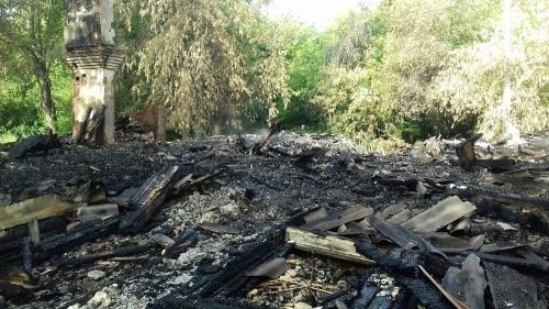 Нет дома – нет проблем. В Челябинске аварийный дом сгорел прежде, чем власти выделили на него средства по демонтажу